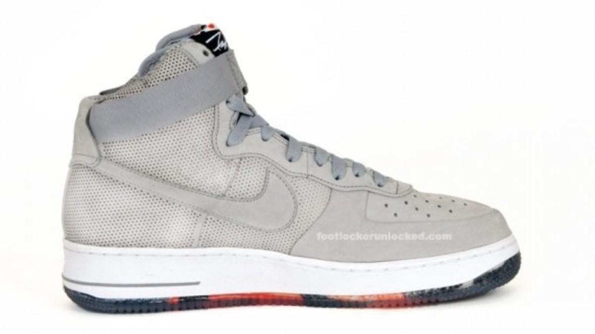 nike-x-futura-air-force-1-high-matte-silver-3