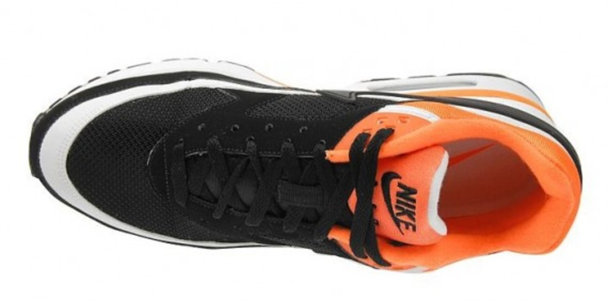 nike-air-classic-bw-black-white-neon-orange-5