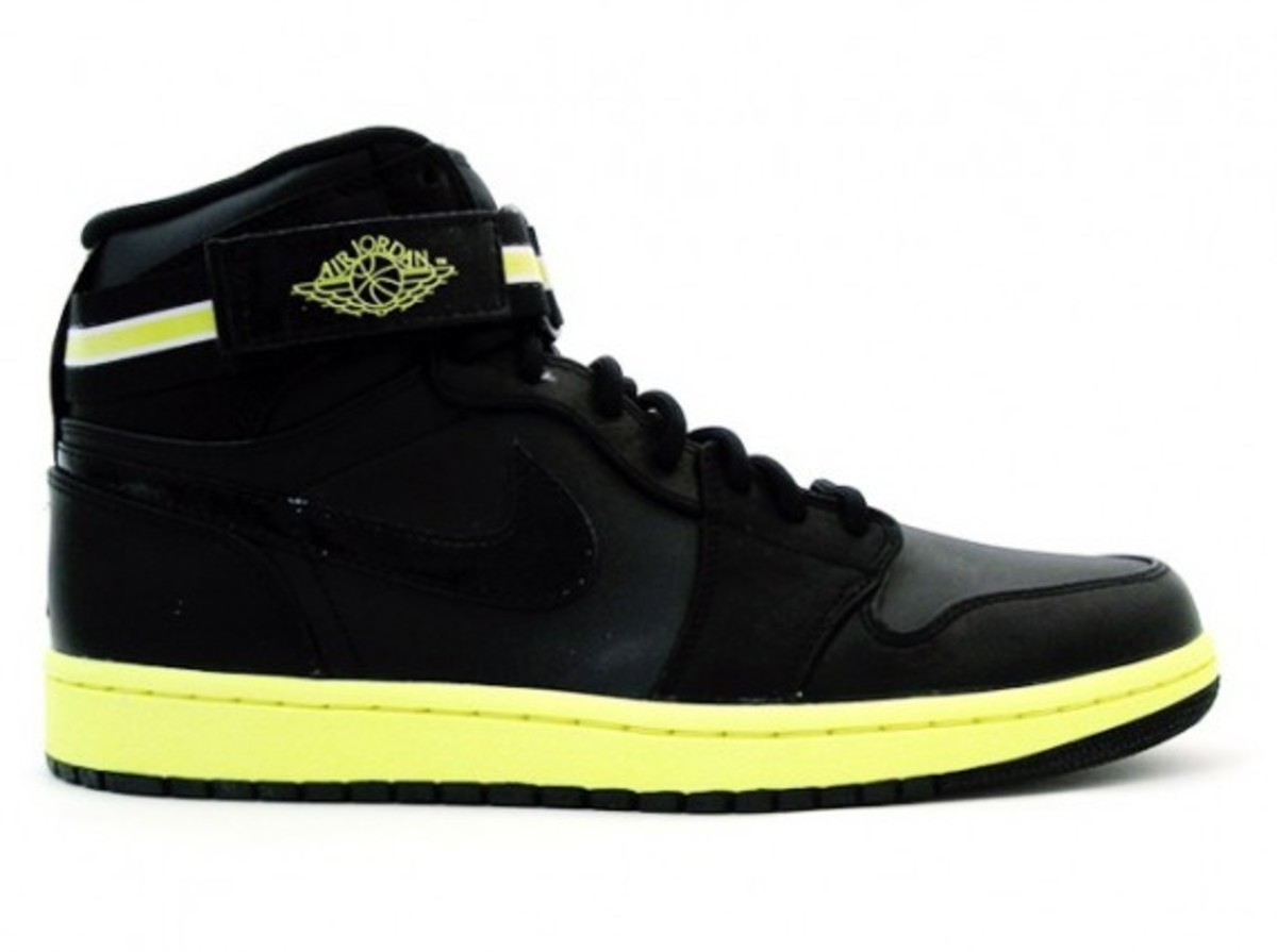 air-jordan-i-retro-high-strap-black-voltage-yellow-1