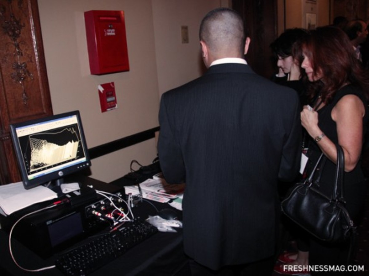 monster-lady-gaga-heartbeats-event-63