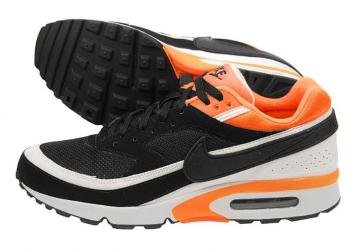 nike-air-classic-bw-black-white-neon-orange-1
