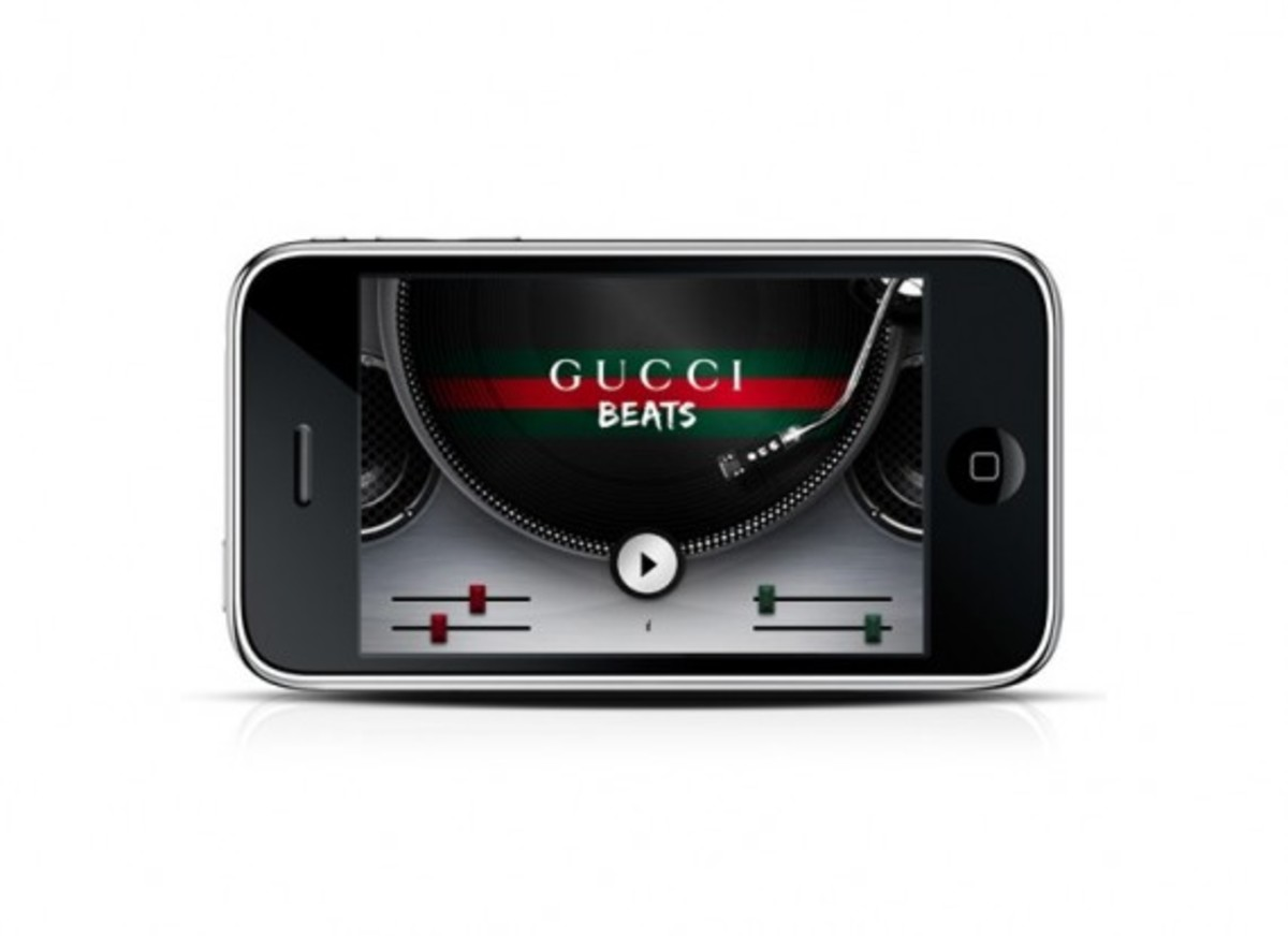 gucci_iphone_1