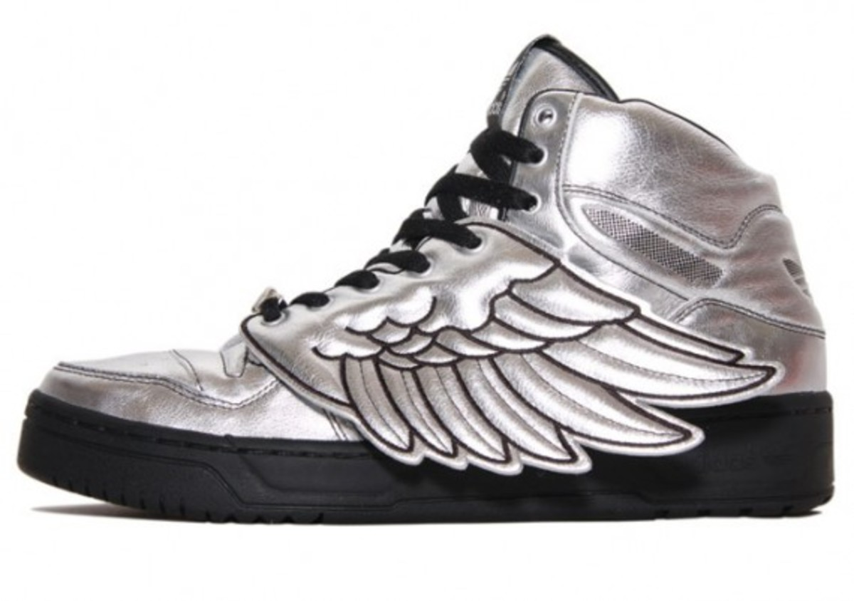 official photos 08eb7 931ab adidas-originals-x-jeremy-scott-wings-conductor-2