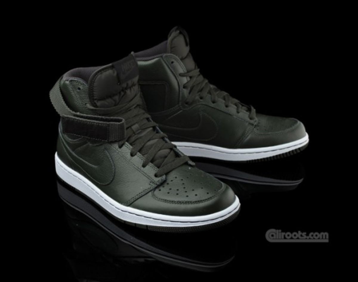 nike-dynasty-high-qk-le-dark-army