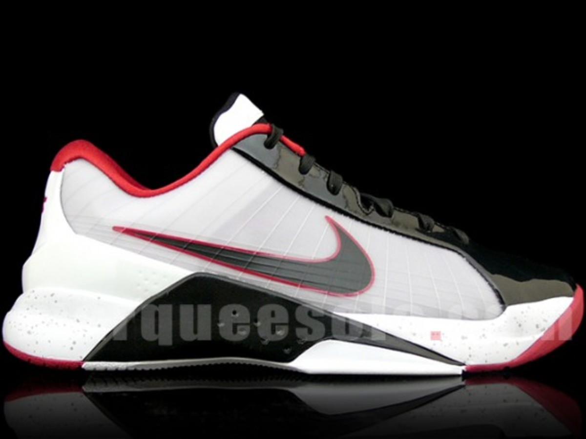 nike-hyperdunk-low-white-black-red-1