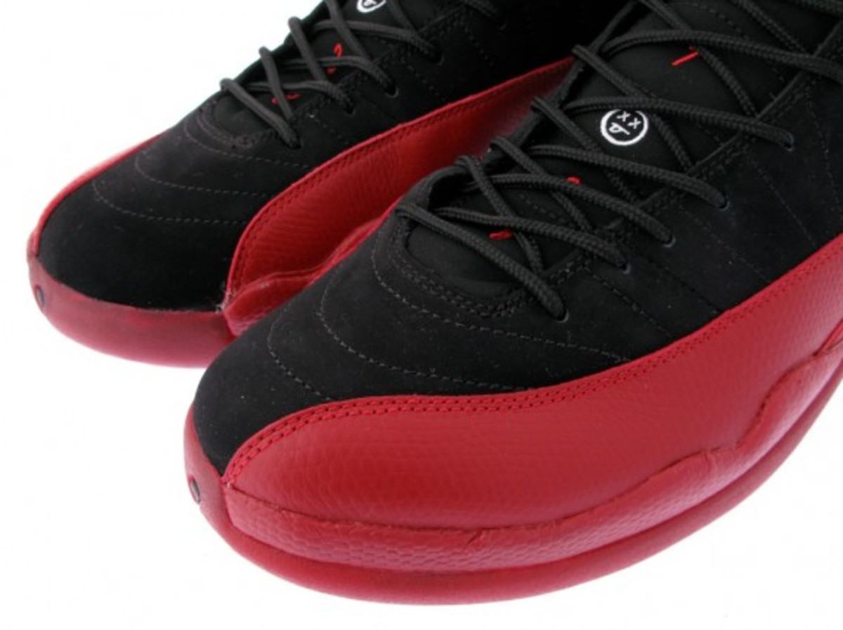 air-jordan-xii-retro-black-varsity-red-5