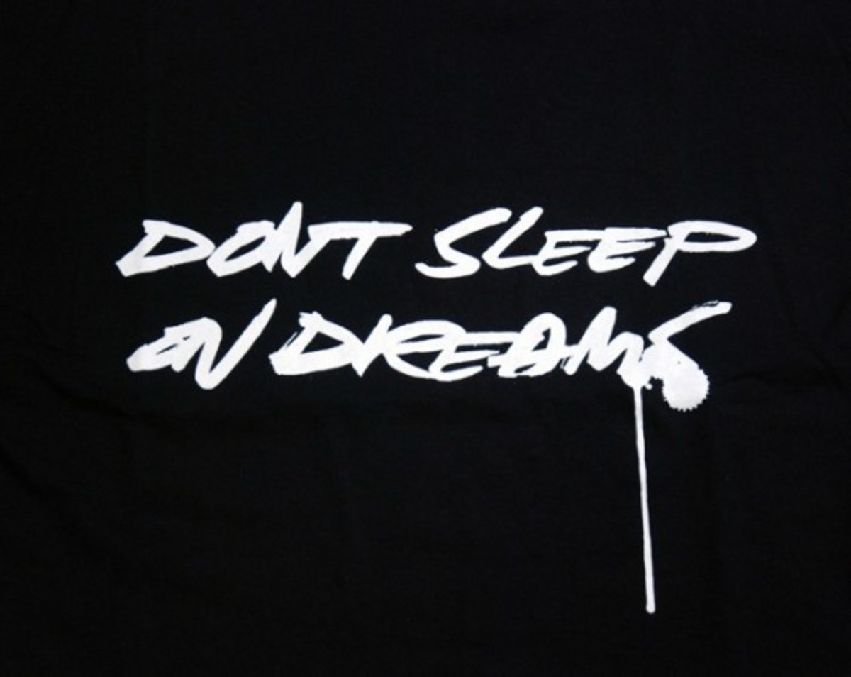 dont-sleep-on-dreams-black2
