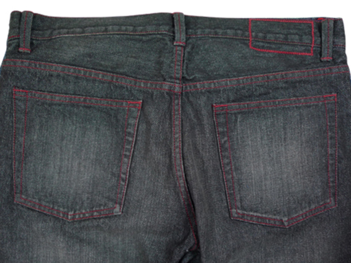castor_black_wash-backdetail