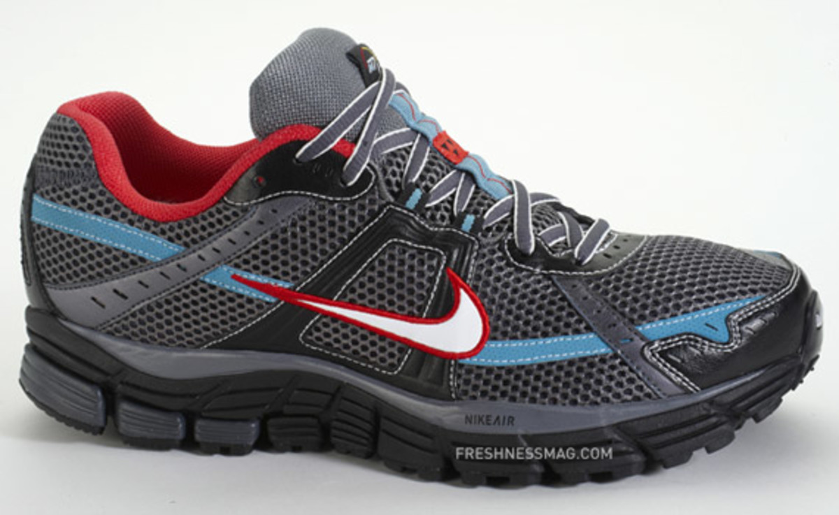 nike-n7-air-pegasus-02