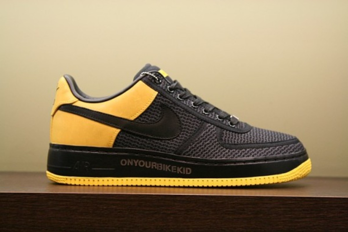 UNDFTD x LIVESTRONG x Nike Air Force 1 Supreme ONYOURBIKEKID ... d6dc511e1