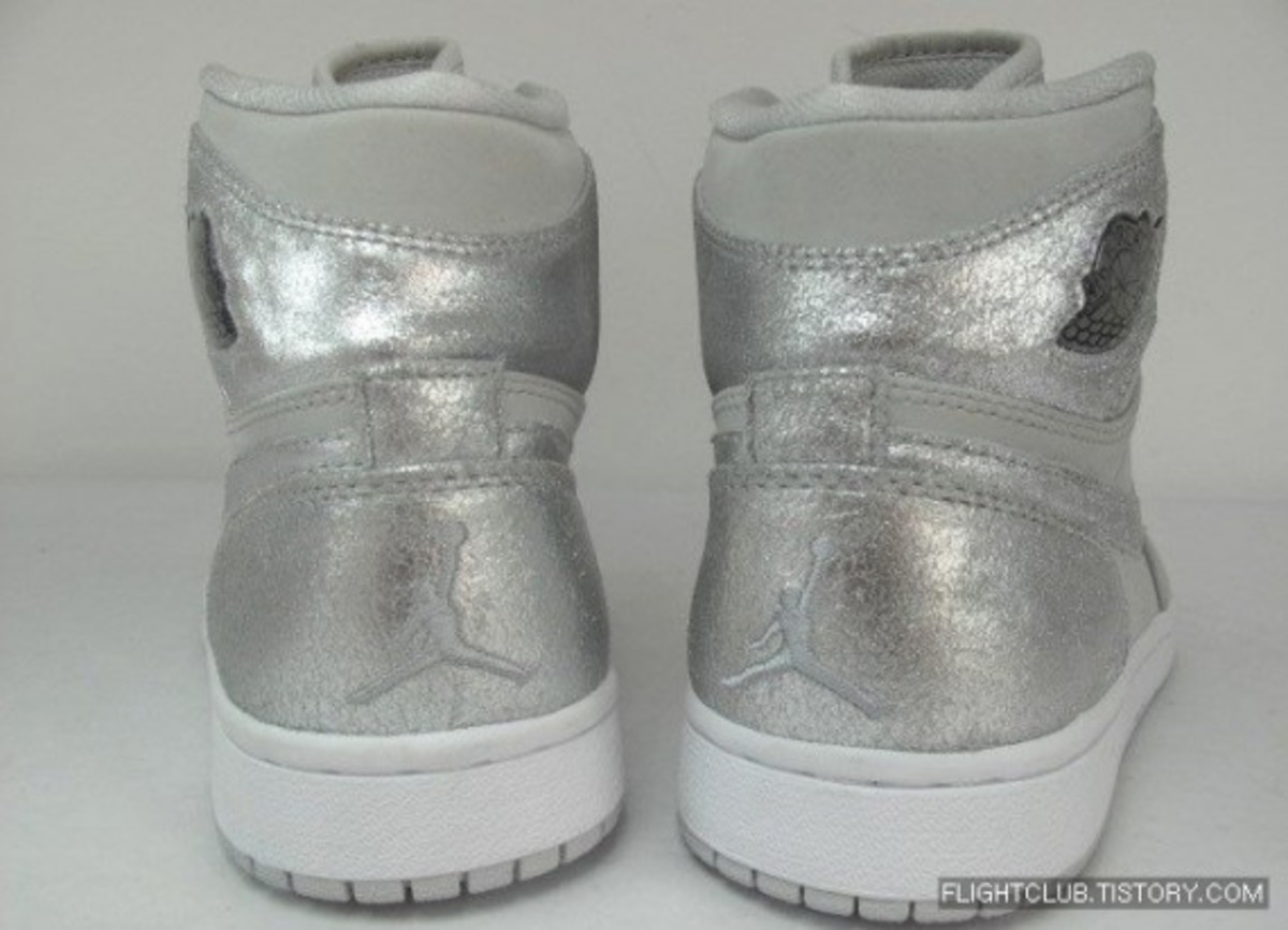 air_jordan_retro_1_anniversary_4