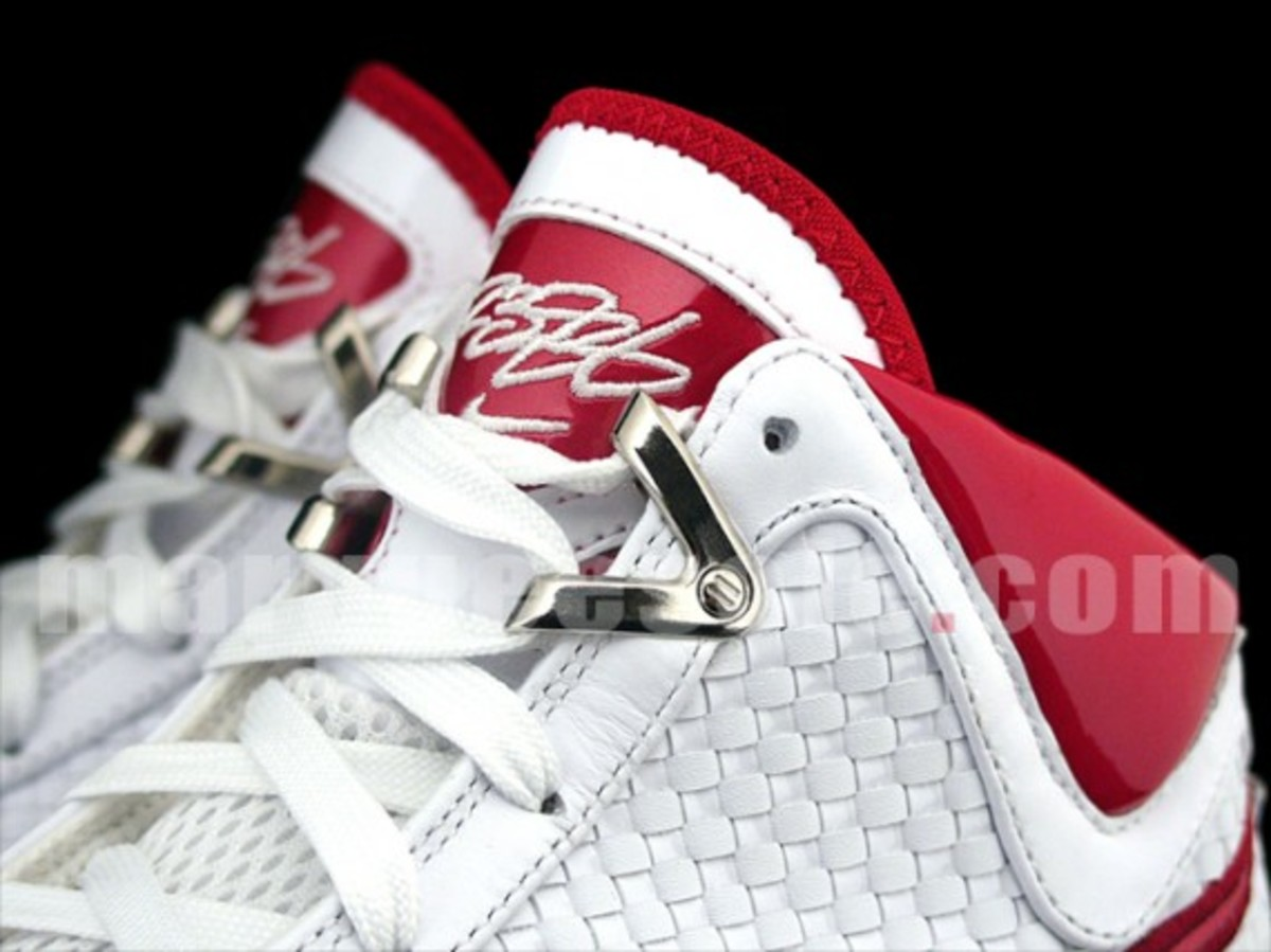nike-air-max-lebron-vii-nfw-white-red-5