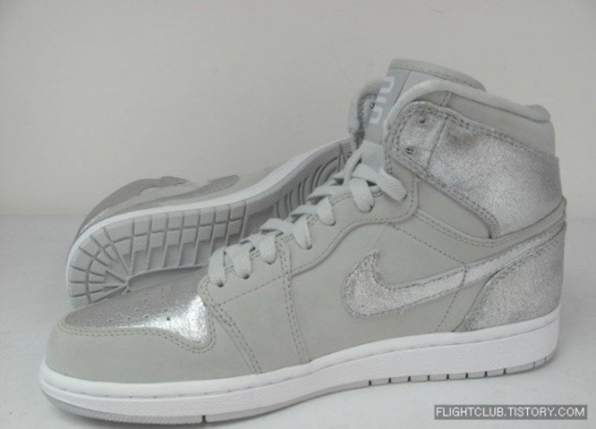 air_jordan_retro_1_anniversary_3