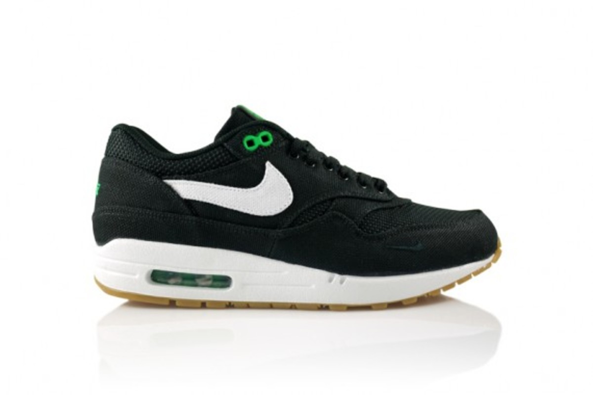 0da0688bdcdb Nike and Patta have now released the fourth Air Max 1 model to commemorate  their 5 year anniversary. The first three all featured the use of denim as  a ...