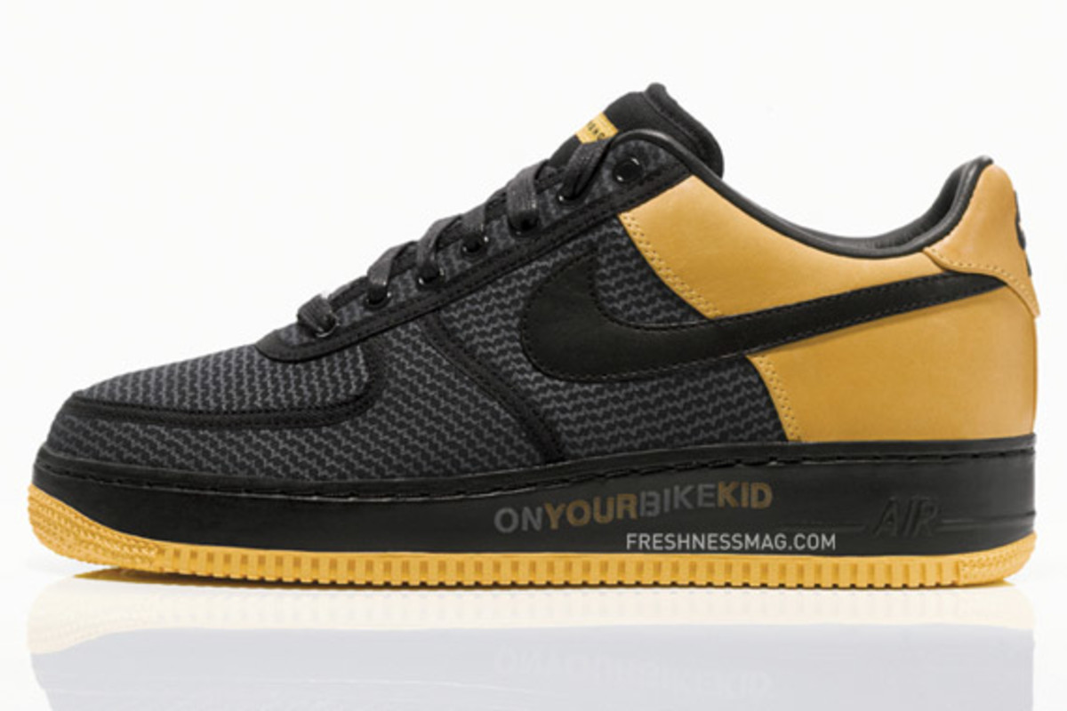 info for 74fe7 fb2be nike-livestrong-undftd-air-force-1-01