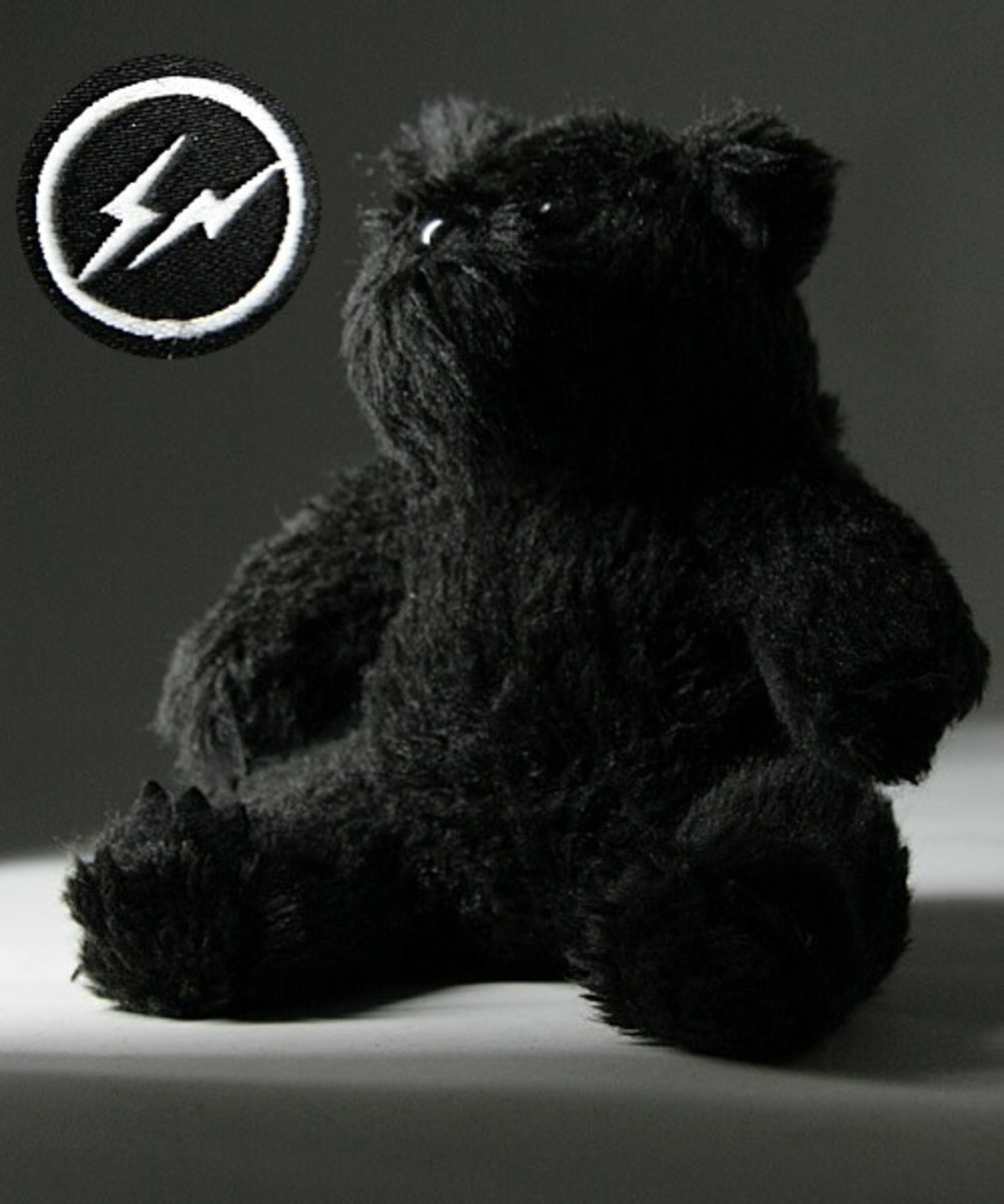 bounty-hunter-fragment-design-plush-teddy-bear-02