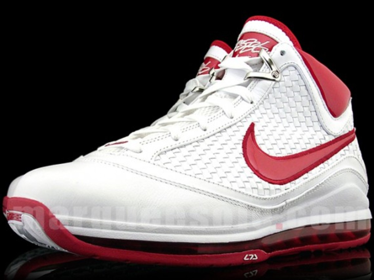 nike-air-max-lebron-vii-nfw-white-red-1