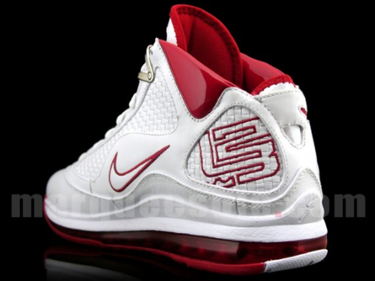 nike-air-max-lebron-vii-nfw-white-red-3