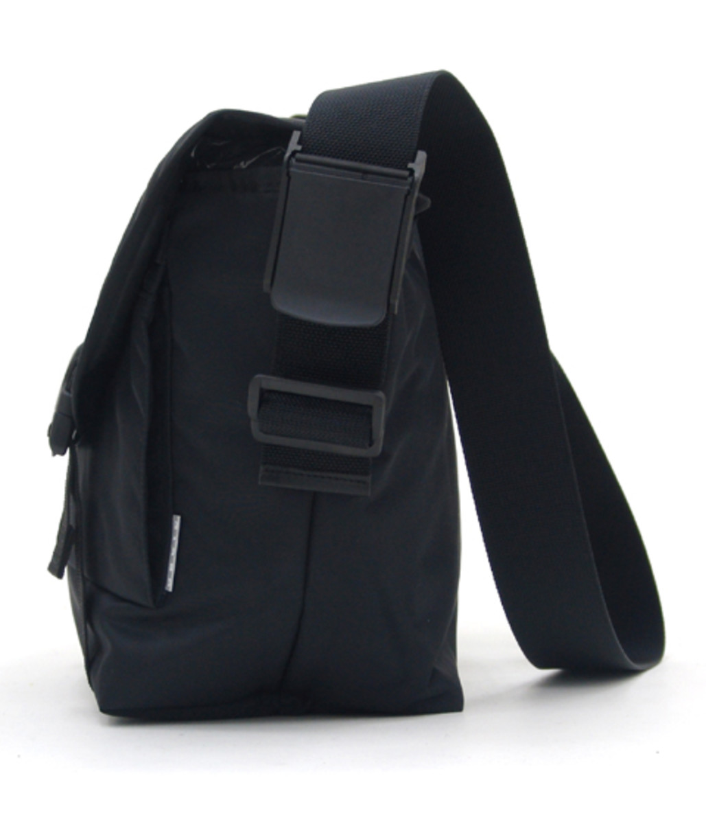 switching-strap-messenger-bag3