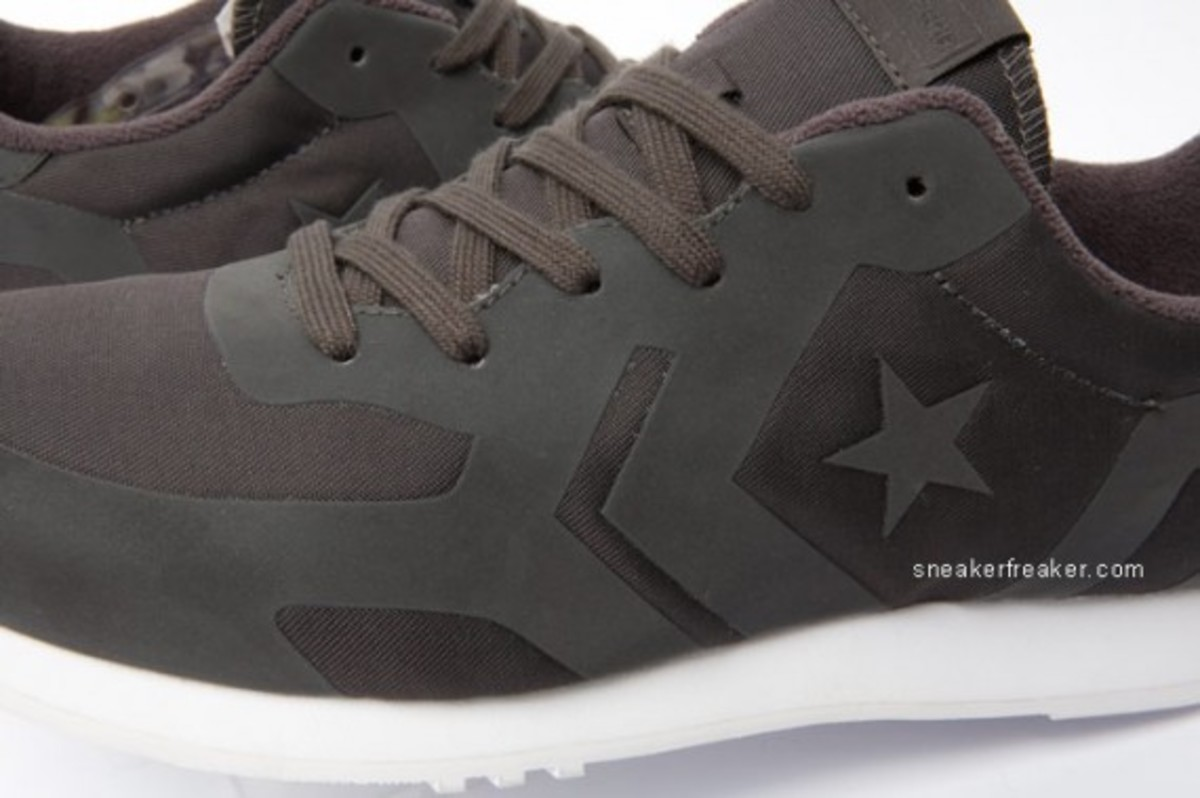 converse-auckland-racer-first-string-7