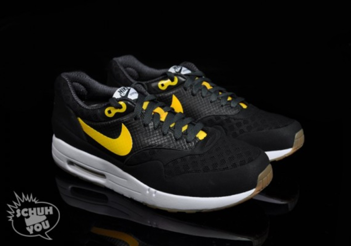 nike-air-maxim-1-torchnd-black-white-yellow-02