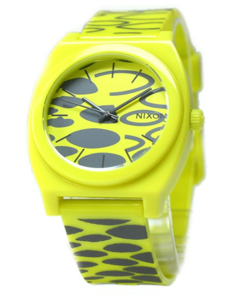 the-time-teller-p-yellow