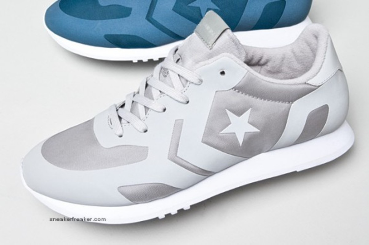 converse-auckland-racer-first-string-2