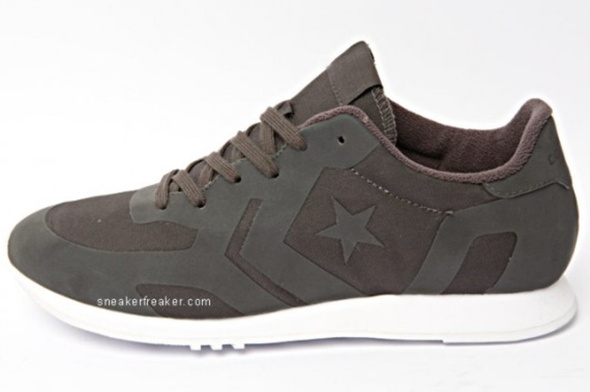 converse-auckland-racer-first-string-8