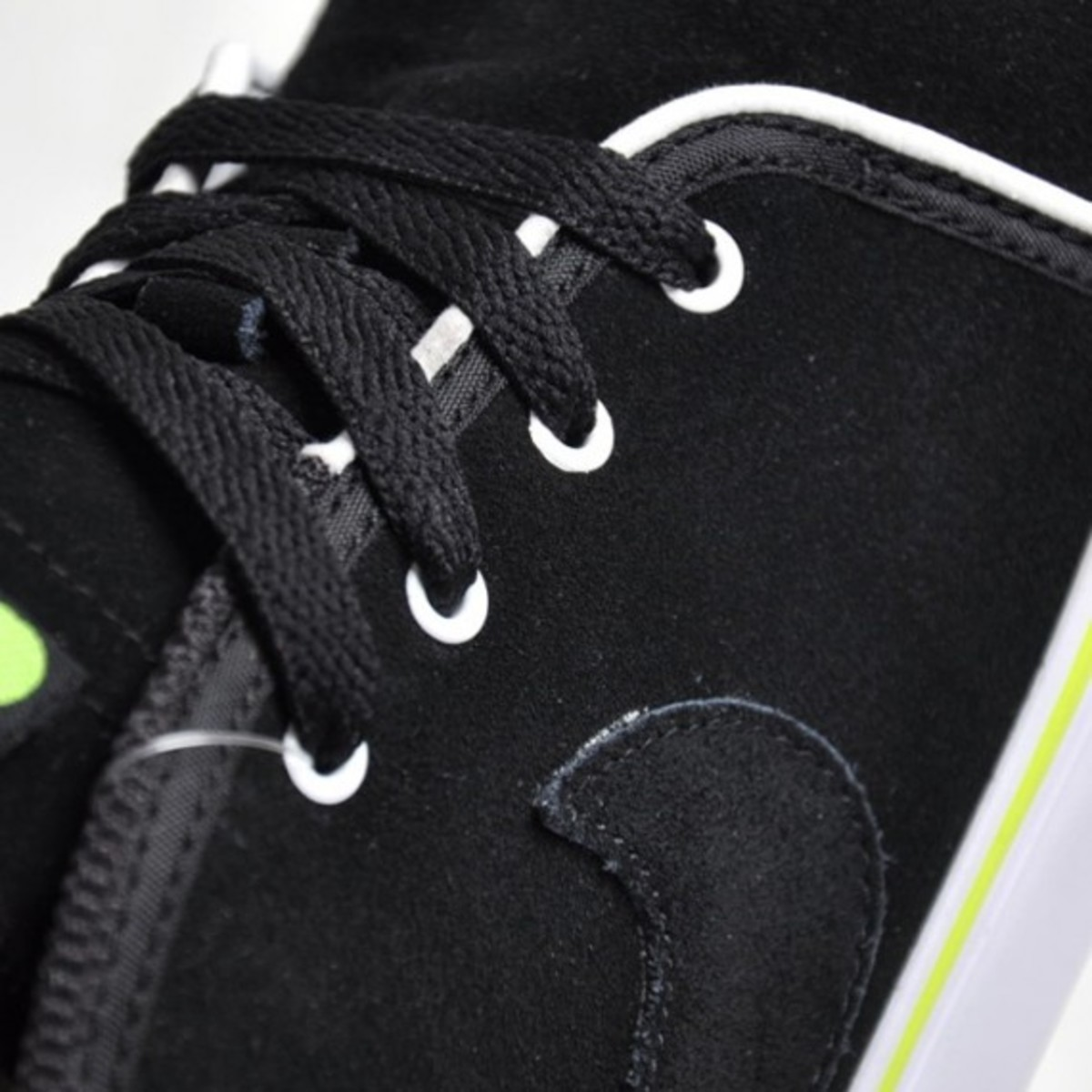 nike-toki-nd-black-volt-2