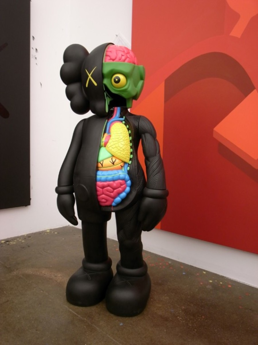 originalfake-kaws-4-foot-companion-black-1