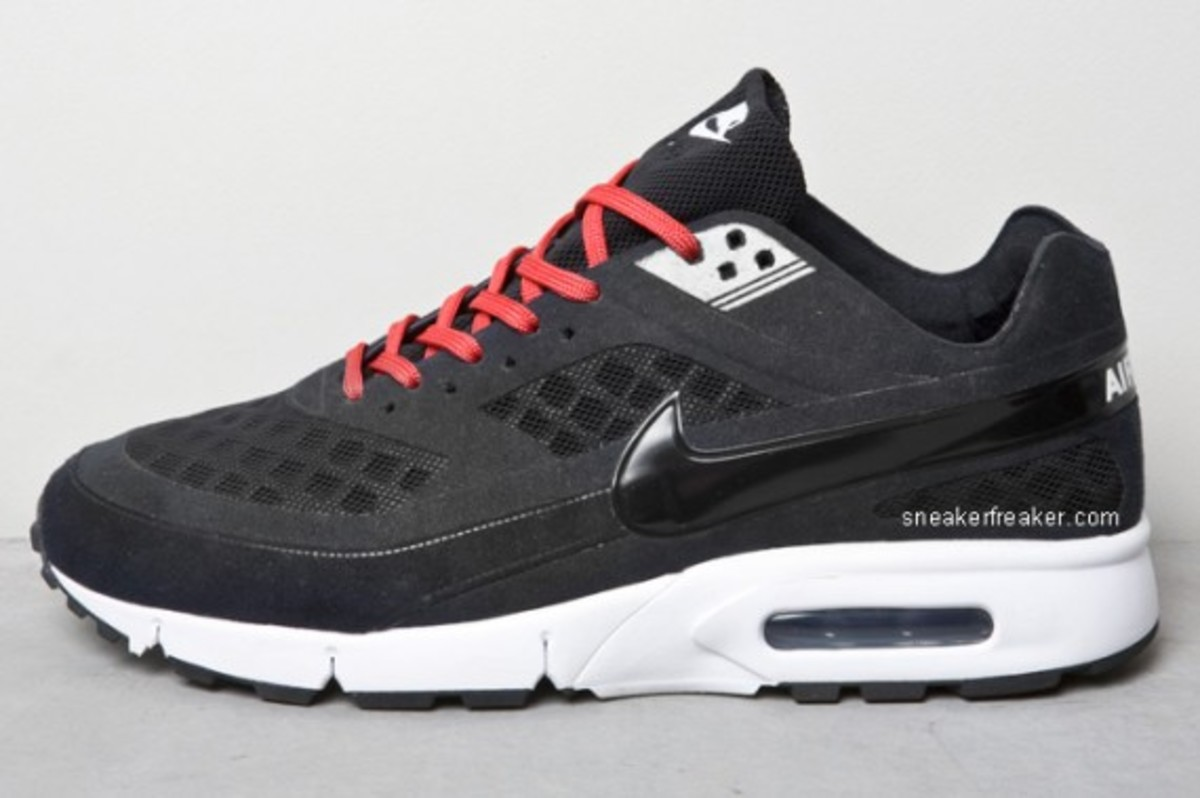nike-air-max-bw-gen-ii-detailed-images-2