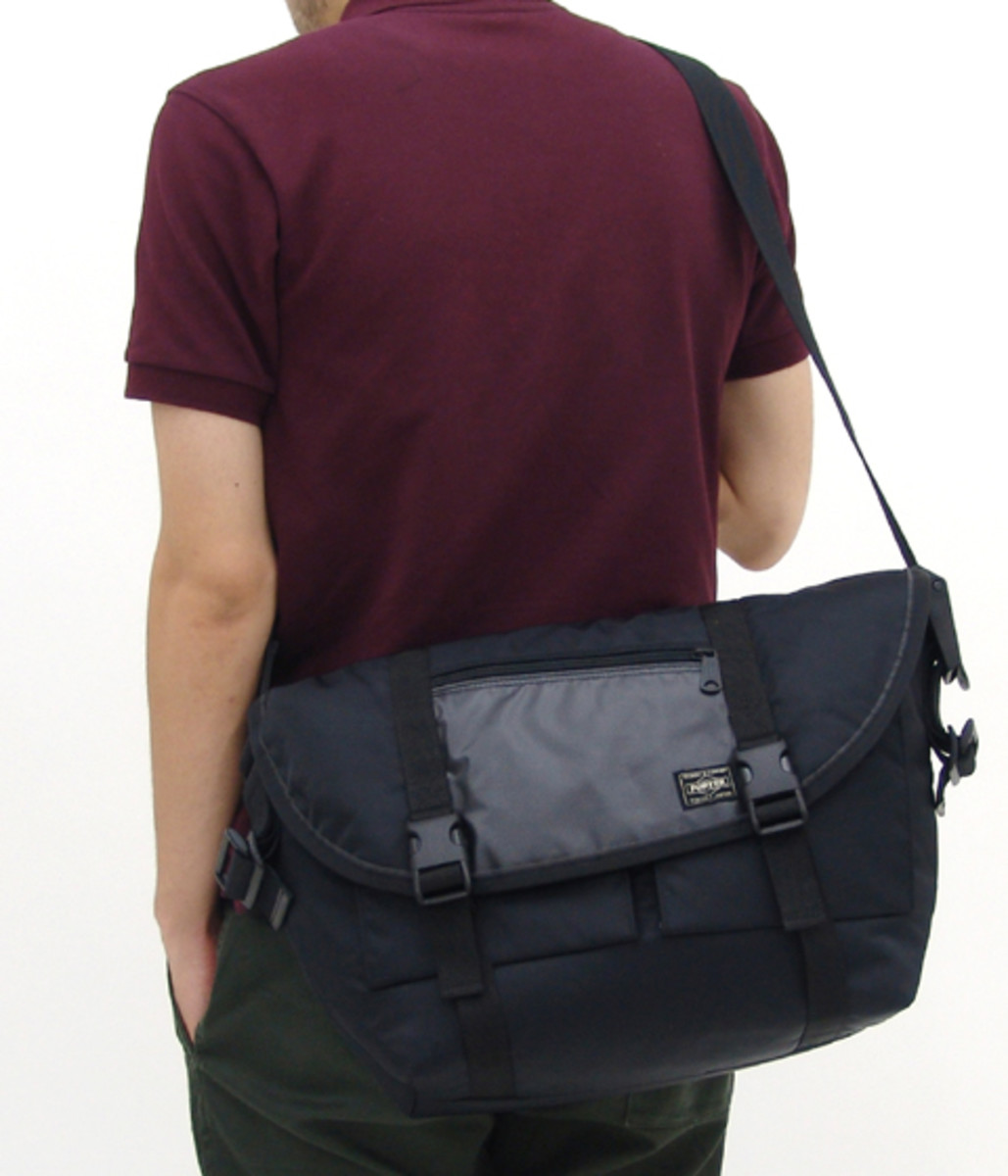 switching-strap-messenger-bag8