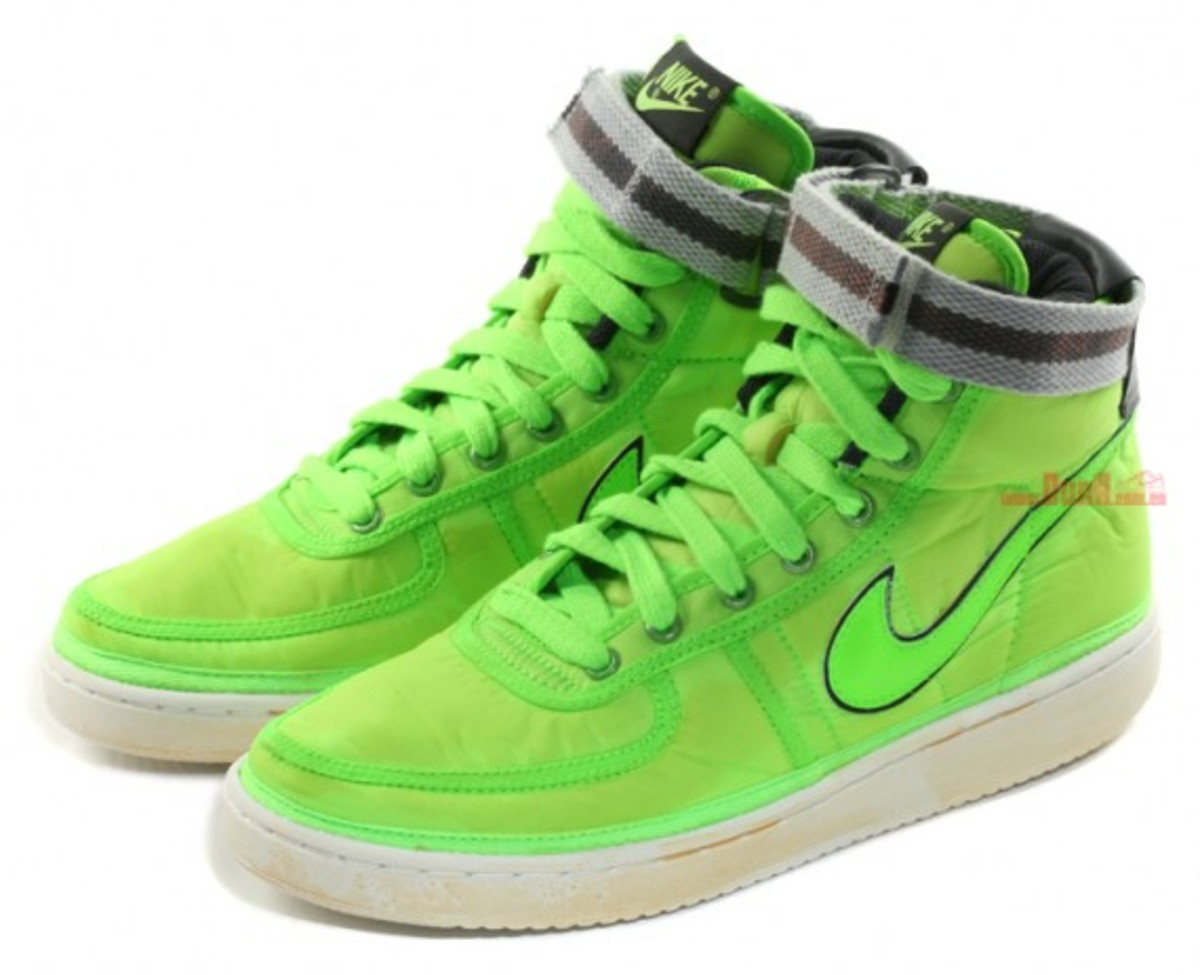 nike-vandal-high-vntg-neon-nylon-pack-3