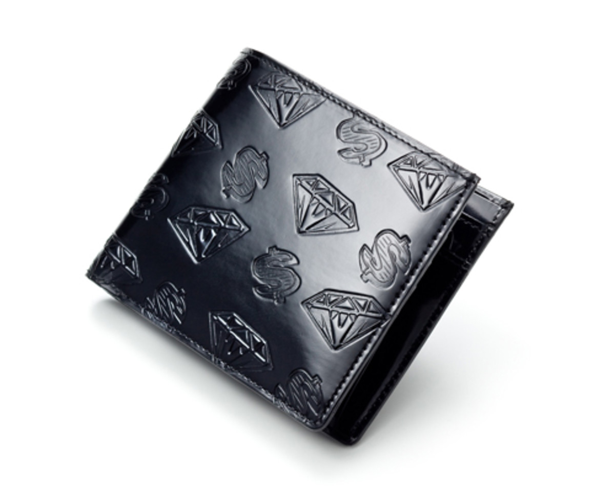 patent-leather-dollar-diamond-black-wallet
