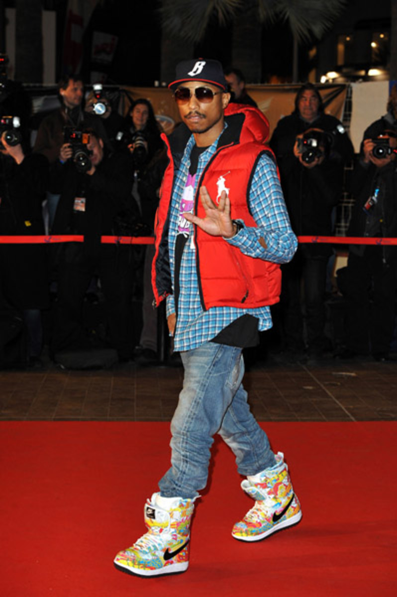 fresh-celeb-pharrell-zoom-force-1-boot-1