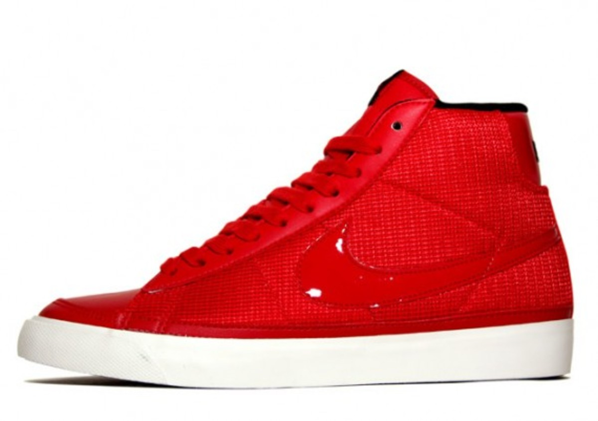 nike-sportswear-spring-2010-available-5