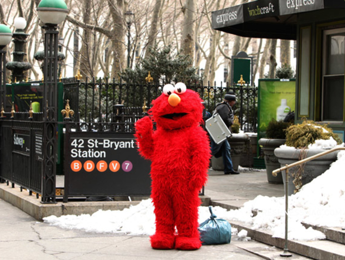 mercedes-benz-fashion-week-ny-elmo-02