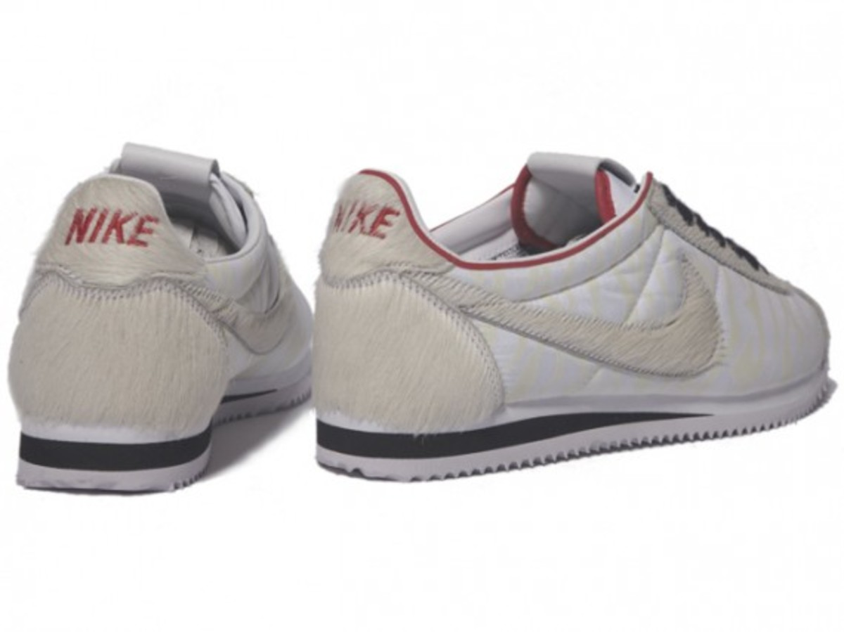 nike_year_of_the_tiger_cortez_3
