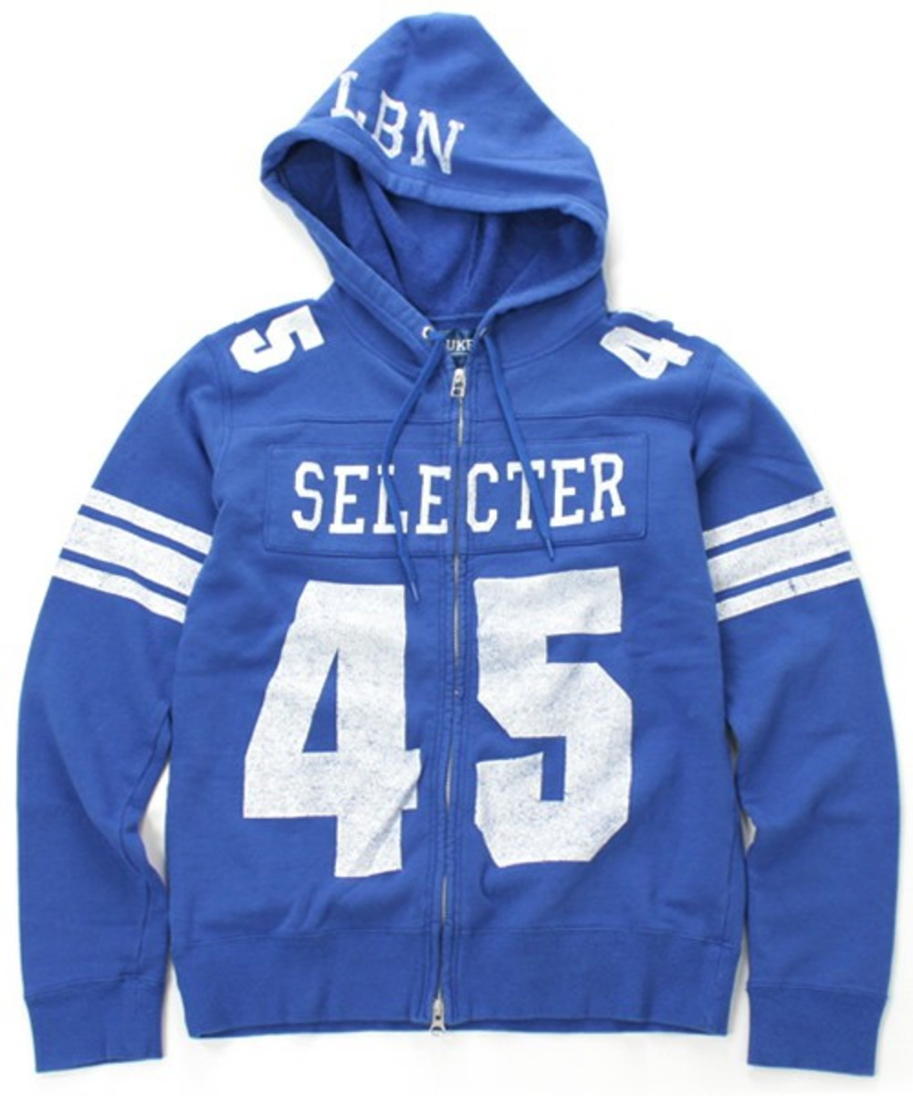 selector-c-hooded-blue