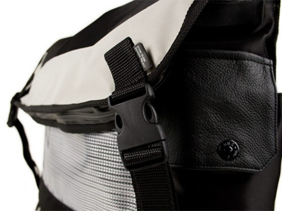 transformable-messenger-bag-7