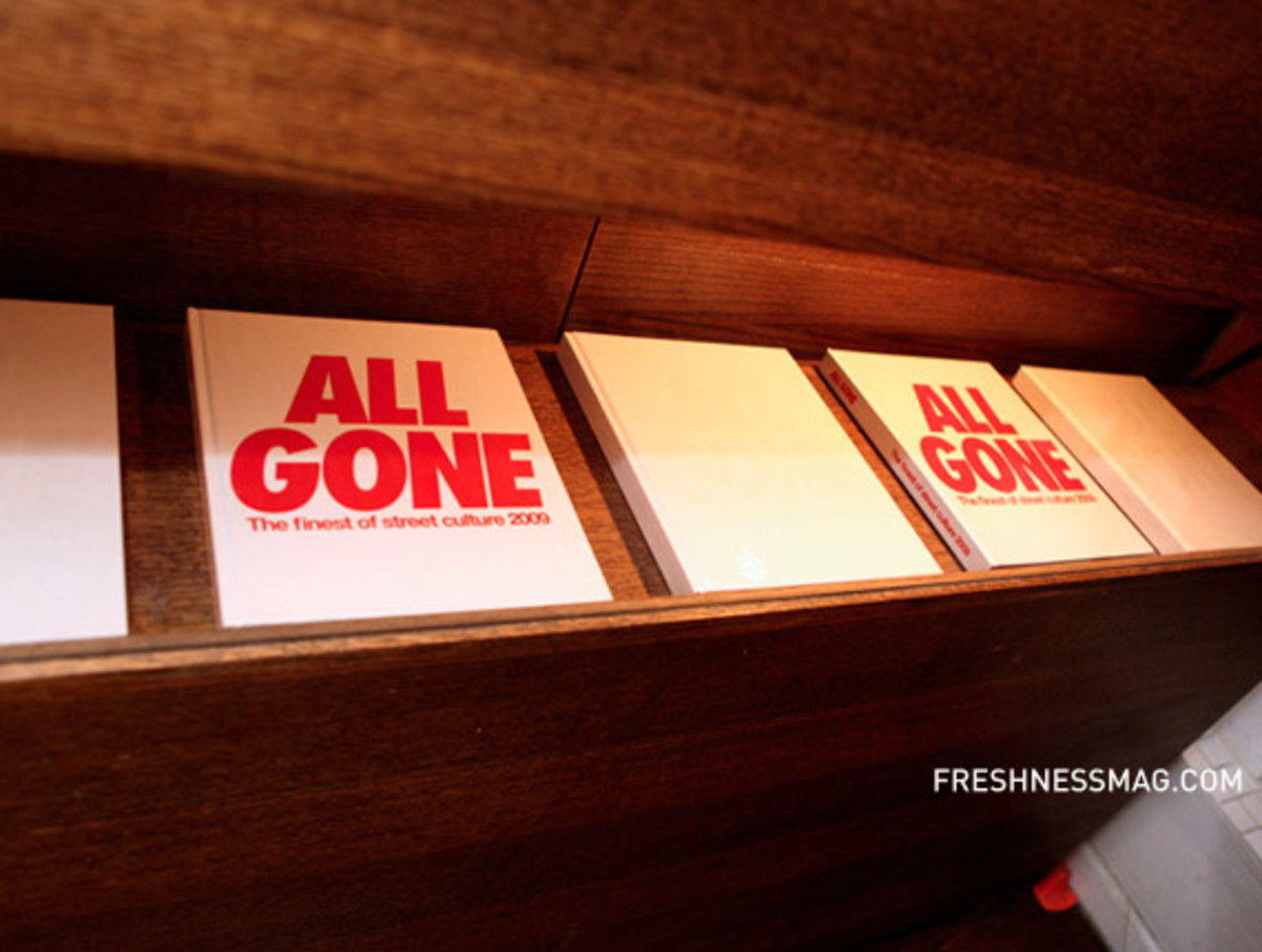 all-gone-2009-book-launch-reed-space-23