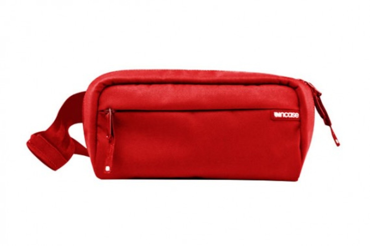 Incase Red Nylon Collection 83