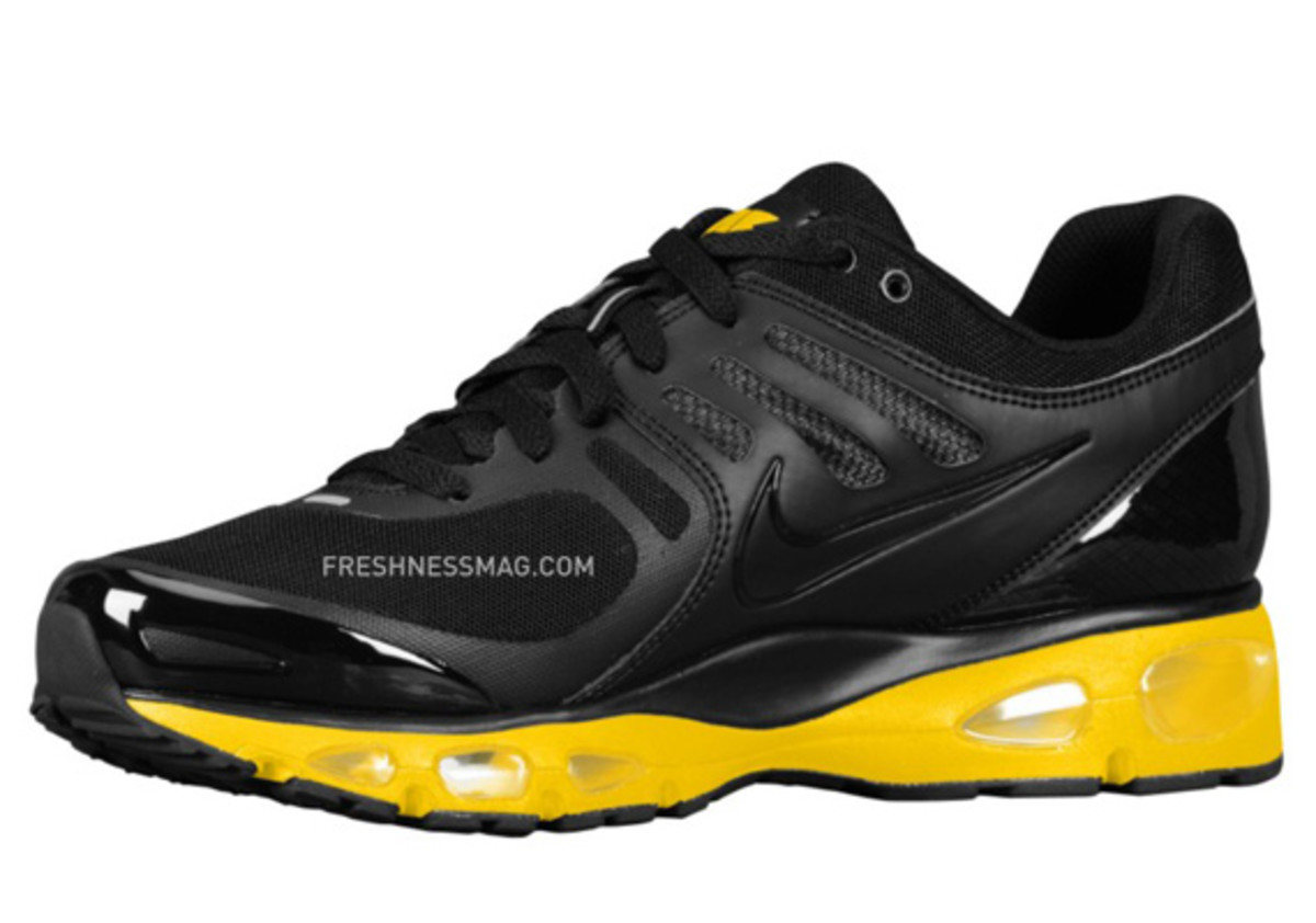 nike-air-max-tailwind-2010-air-attack-black-yellow-2
