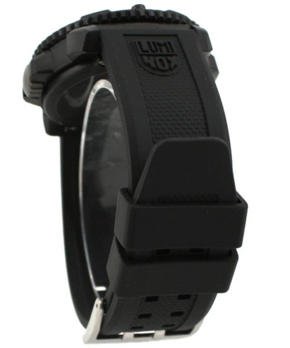 luminox-blackout-watch-04
