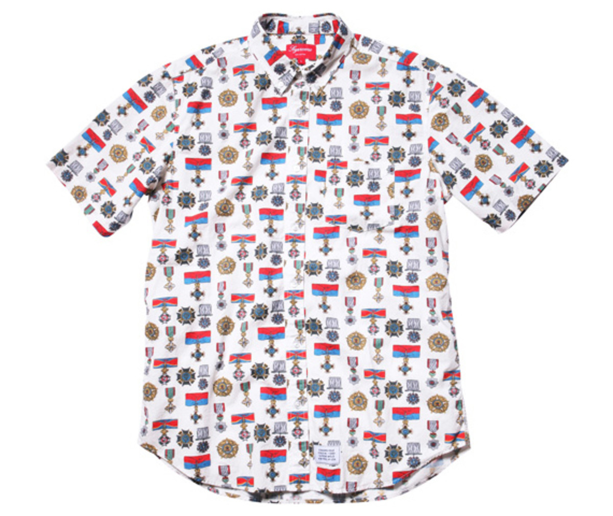 supreme-nyc-medals-shirt-02