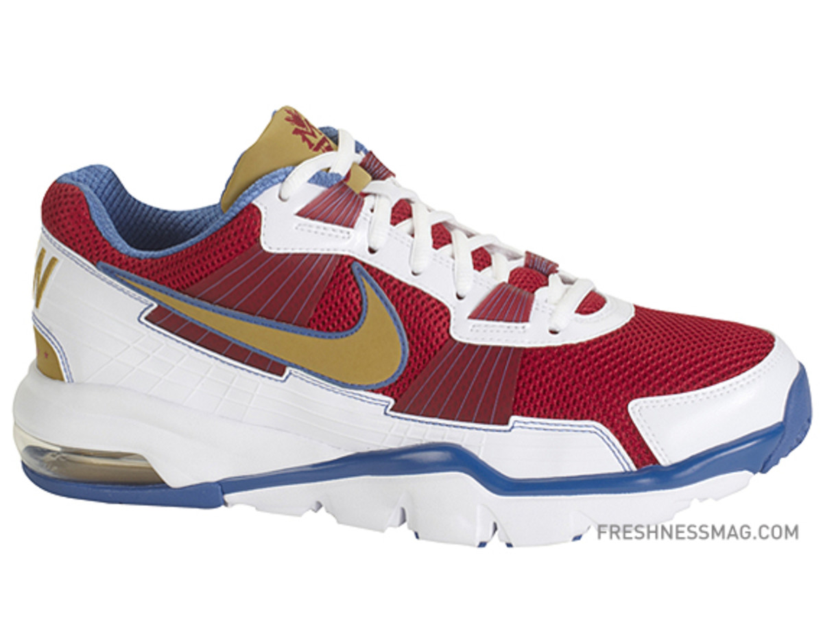 manny-pacquiao-nike-trainer-sc-2010-philippines-01