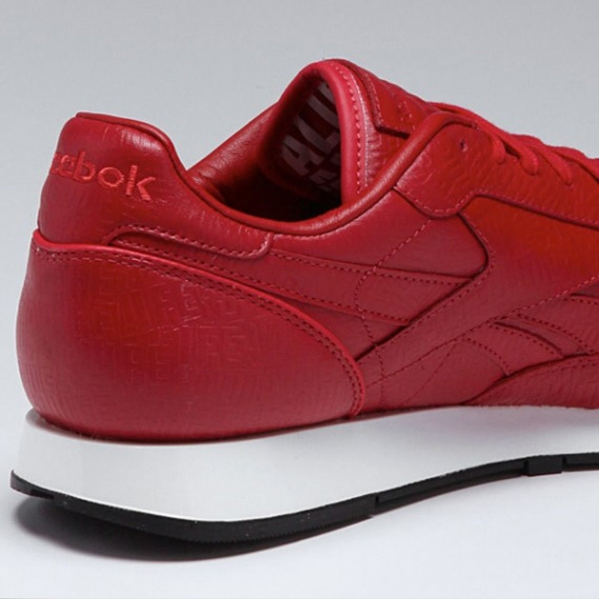 alife-reebok-classic-leather-lux-red-05