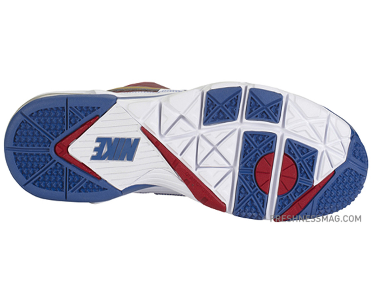 manny-pacquiao-nike-trainer-sc-2010-philippines-02