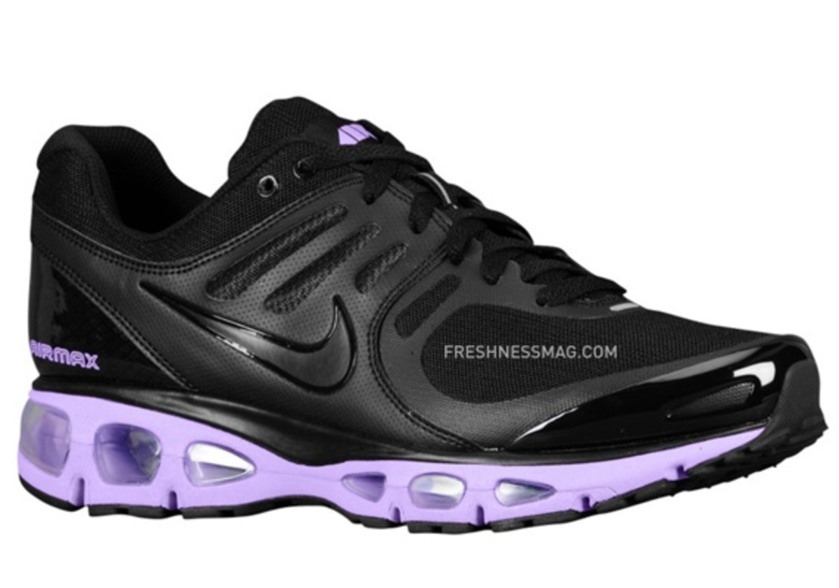 nike-air-max-tailwind-2010-air-attack-black-purple-1
