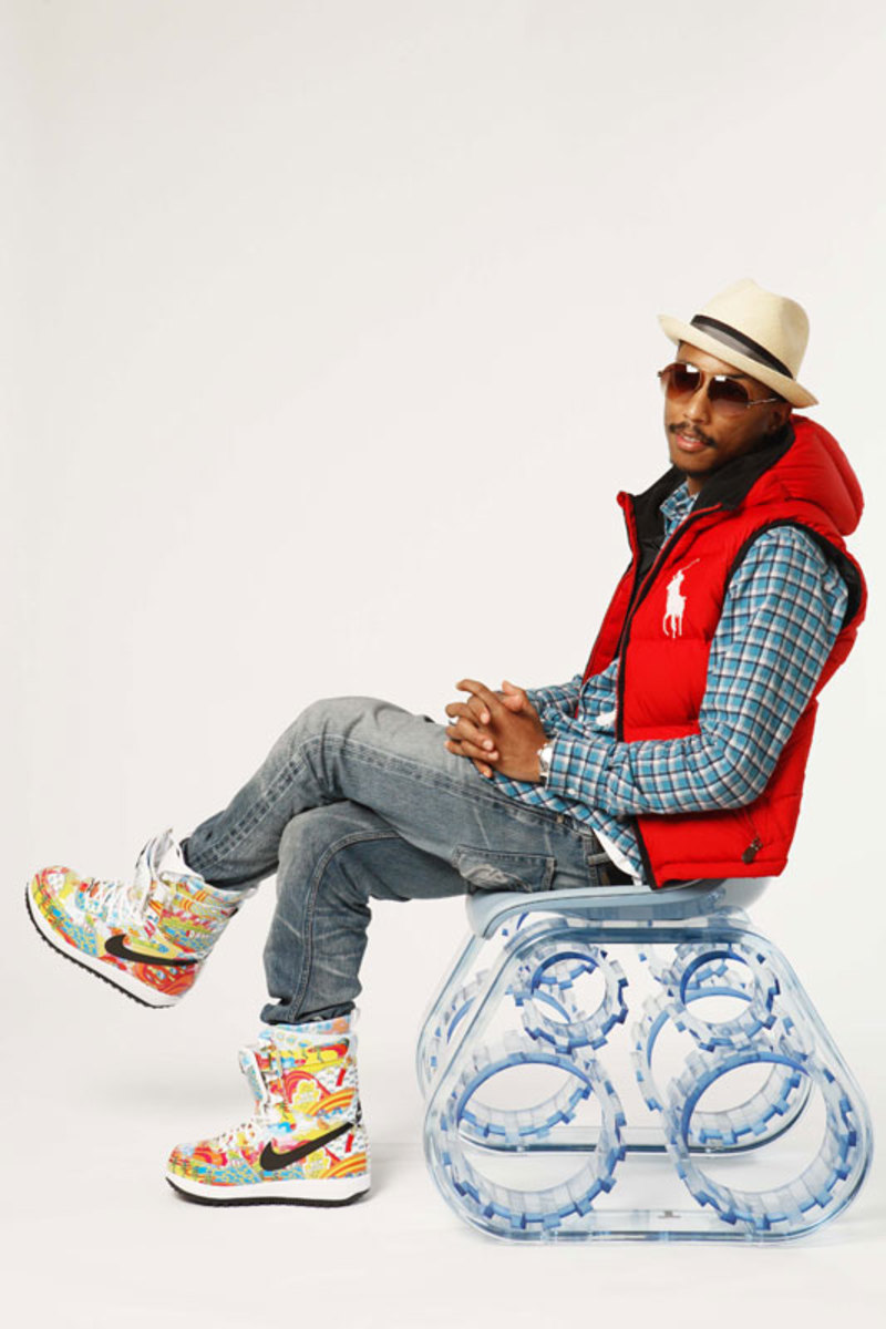 pharrell-williams-x-galerie-tank-chair-2
